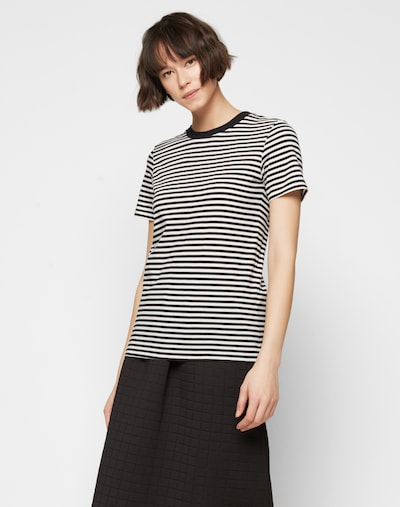 SELECTED FEMME T-Shirt 'SFMy Perfect Tee' in schwarz / weiß, Modelansicht