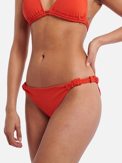 Shiwi Bikinihose in rot, Modelansicht