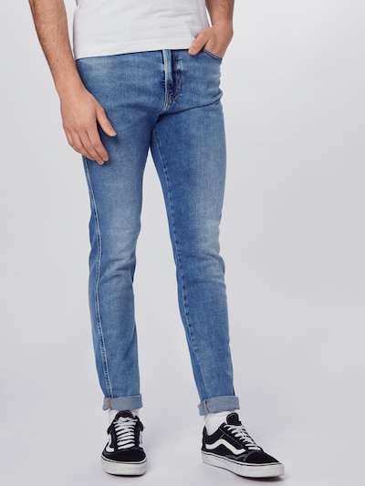 DIESEL Jeans 'D-ISTORT' in de kleur Blauw denim, Modelweergave
