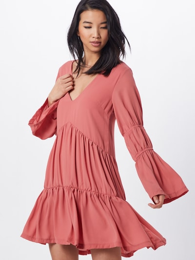 Missguided Kleid in pink / rot, Modelansicht