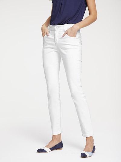 heine Jeans Aleria in weiß, Modelansicht