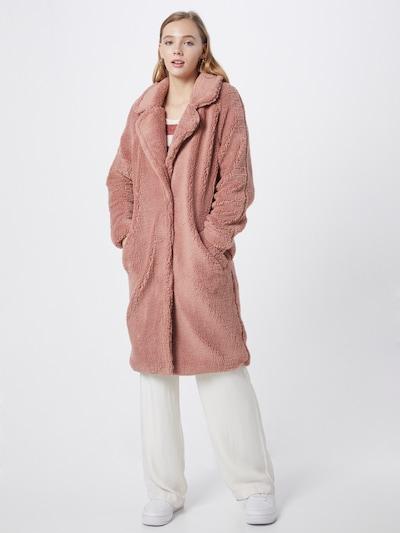 Bardot Wintermantel in de kleur Rosa, Modelweergave