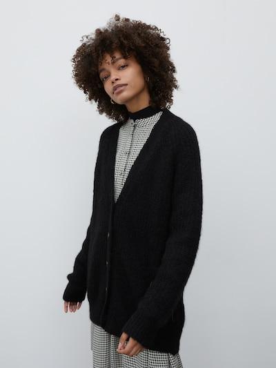 EDITED Strickjacke 'Eliandro' in schwarz, Modelansicht