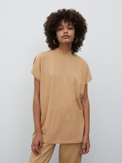EDITED Shirt 'Keela' in hellbeige, Modelansicht