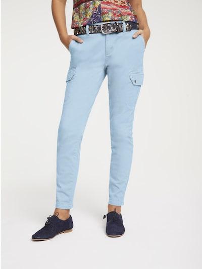 heine Pantalon cargo en bleu clair, Vue avec modèle