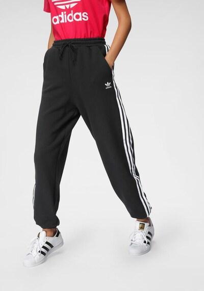 ADIDAS ORIGINALS Jogginghose in schwarz / weiß, Modelansicht