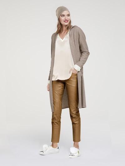 heine Strickmantel in camel, Modelansicht