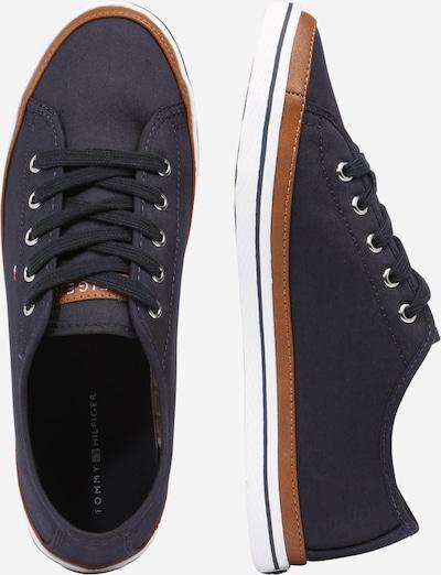 TOMMY HILFIGER Sneaker in nachtblau / braun: Seitenansicht