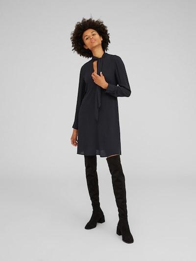 EDITED Blousejurk 'Ilka' in de kleur Zwart, Modelweergave