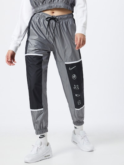 Nike Sportswear Hlače u siva / crna, Prikaz modela