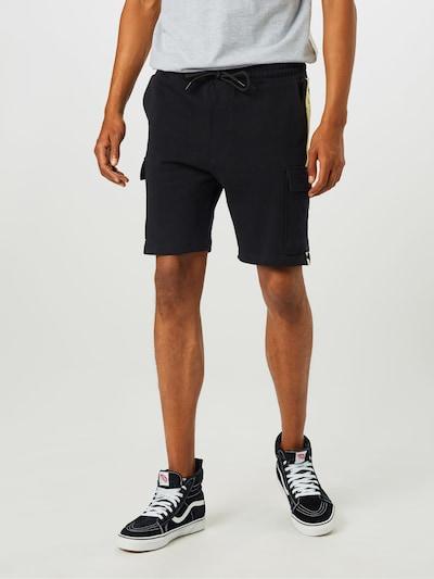 Mennace Spodnie w kolorze czarny / białym, Podgląd na modelu(-ce)