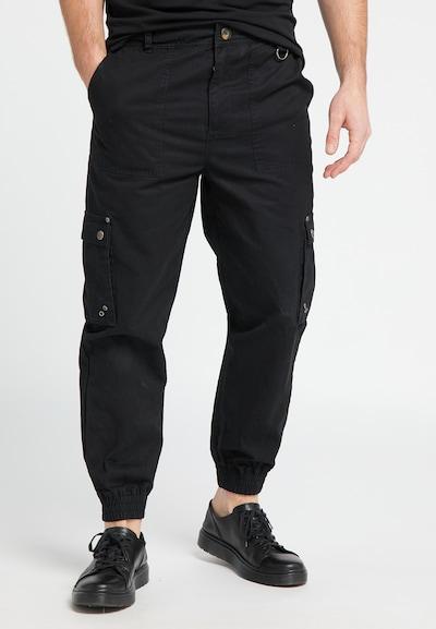 DREIMASTER Cargohose in schwarz, Modelansicht