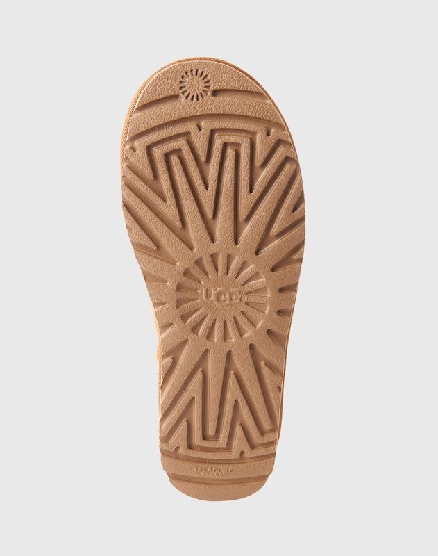 UGG Boots mit Ziernieten 'Flore deco studs'