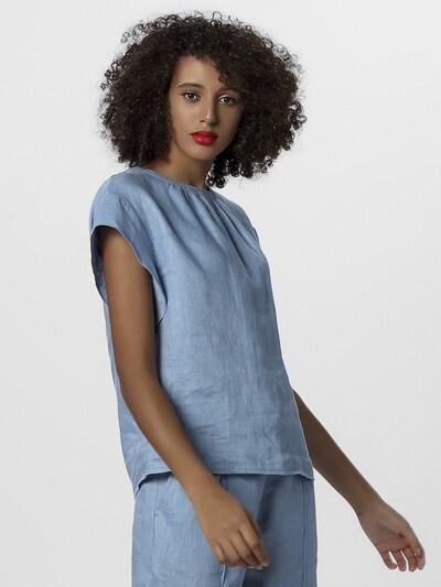 APART Bluse in hellblau, Modelansicht