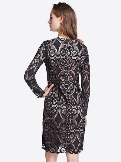 SET Obleka | črna barva: Pogled od zadnje strani