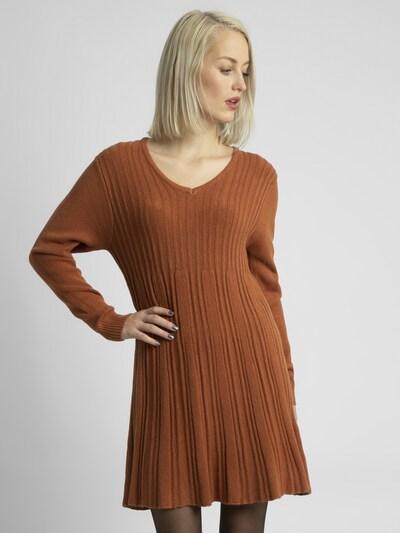 APART Strickkleid mit Streifen in karamell, Modelansicht