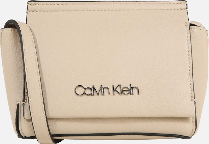 Bandoulière Sable En Calvin Crossbody' Klein Sac À 'stitch Flap n0mwN8v