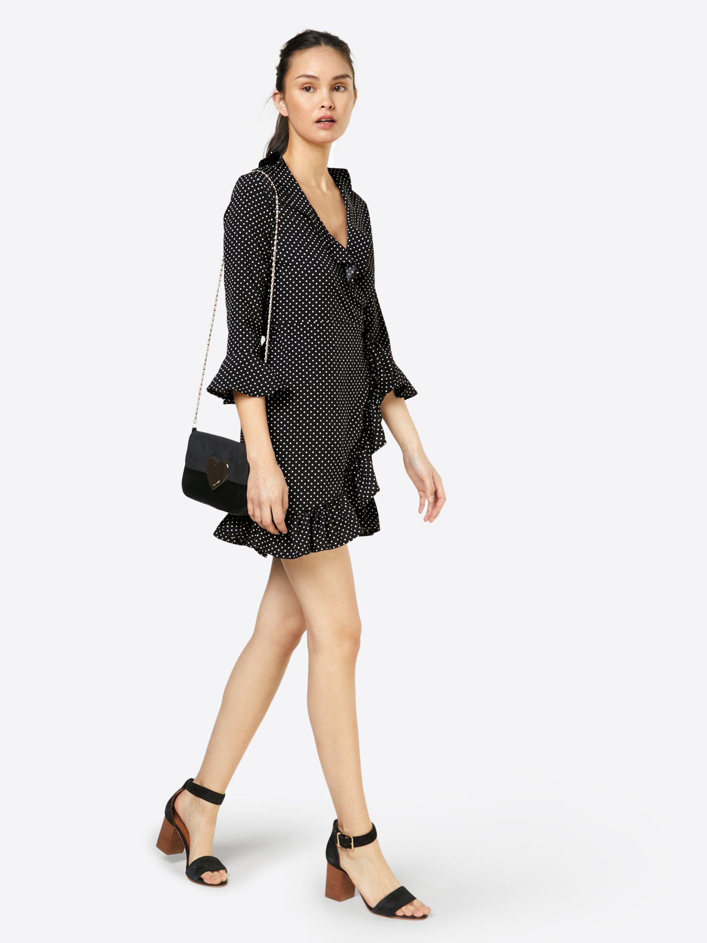 Verkaufsschlager Boohoo Kleid 'BETHANY'  Spitzenreiter Billig Verkauf Gut Verkaufen Günstig Kaufen Footlocker 43VIx7U2