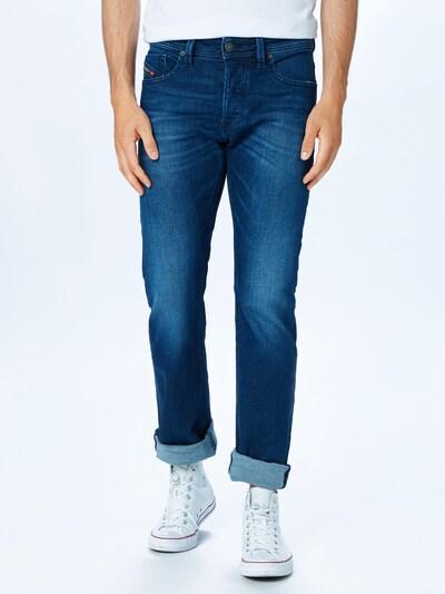 DIESEL Jeans 'Larkee' in blue denim, Modelansicht