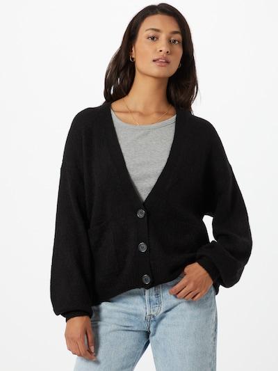 ICHI Gebreid vest 'AMARA' in de kleur Zwart, Modelweergave
