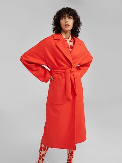 EDITED Přechodný kabát 'Santo' - červená, Model/ka