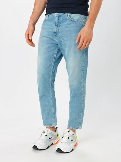Calvin Klein Jeans Jean 'Dad Jean' en bleu denim, Vue avec modèle