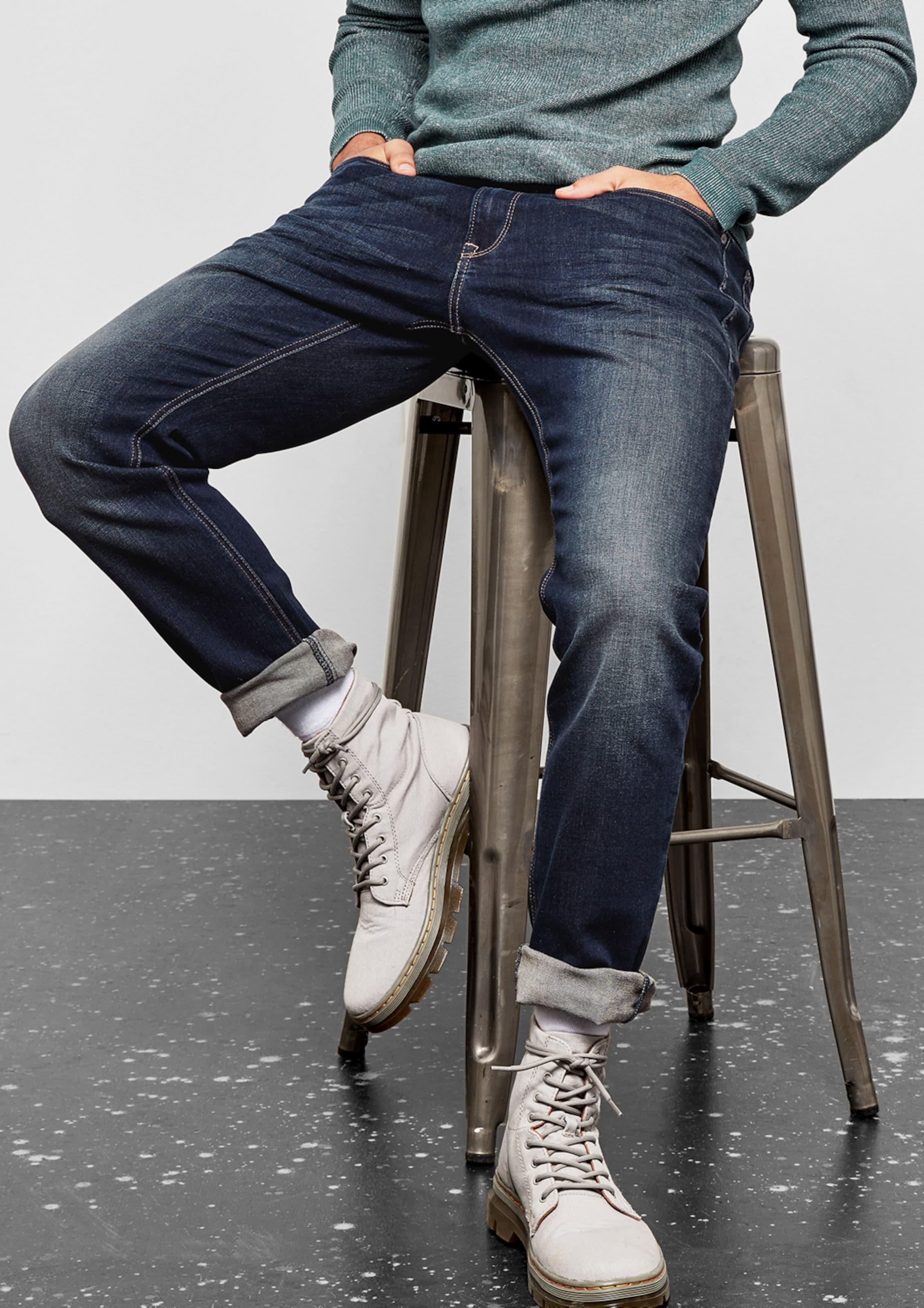 Q/S designed by 'Rick' Slim: Used-Look-Jeans Neue Online-Verkauf Finden Online-Großen Verkauf Rabatt-Codes Spielraum Store 8wm4d