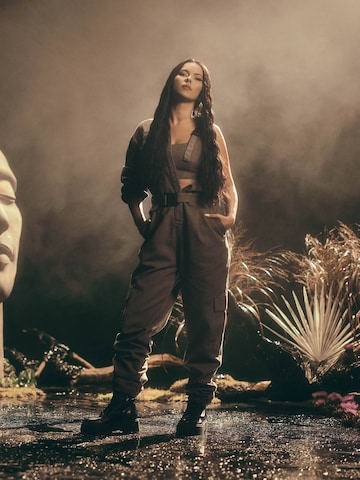 Khaki Jumpsuit Look by ABOUT YOU x INNA