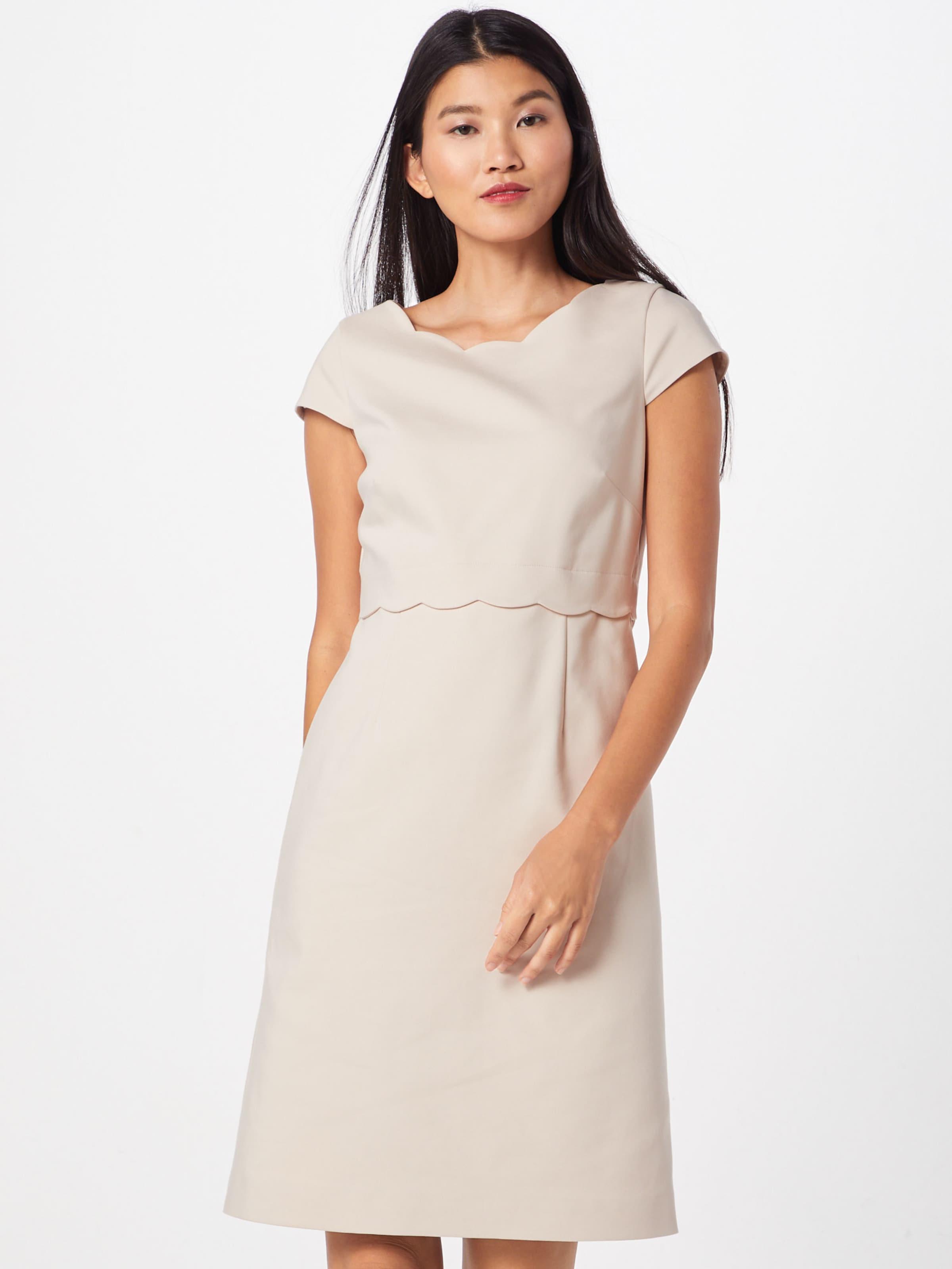 comma kleid in puder kleid puder in comma kleid puder kleid