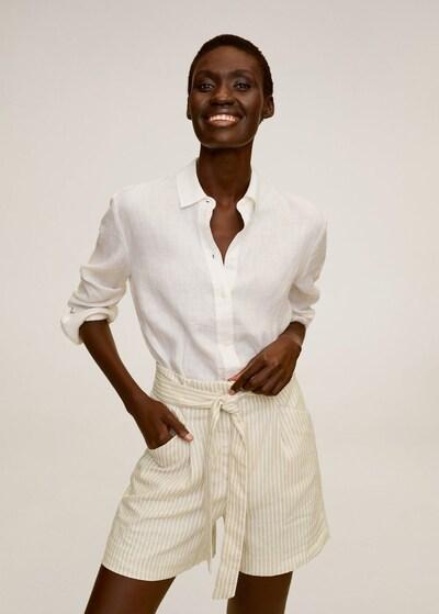 MANGO Shorts in beige / weiß, Modelansicht