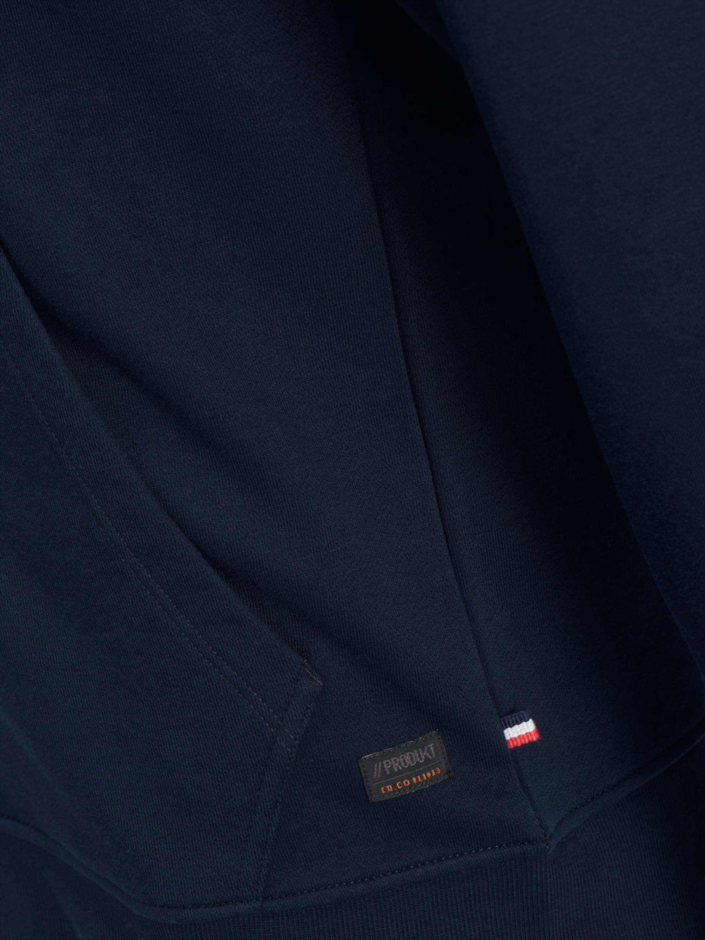 Freies Verschiffen Eastbay Freies Verschiffen-Spielraum Store Produkt Sweatshirt Reißverschluss Neuester Günstiger Preis Angebote Online-Verkauf v2BU0Nelzd