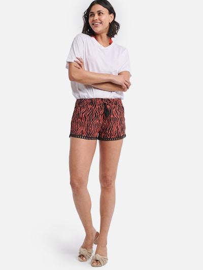Shiwi Shorts in rot / schwarz: Frontalansicht