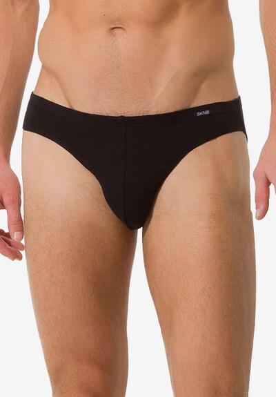 Skiny Slip in de kleur Zwart, Modelweergave