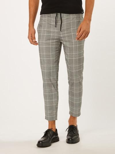 Urban Classics Hosen in grau / schwarz / weiß, Modelansicht