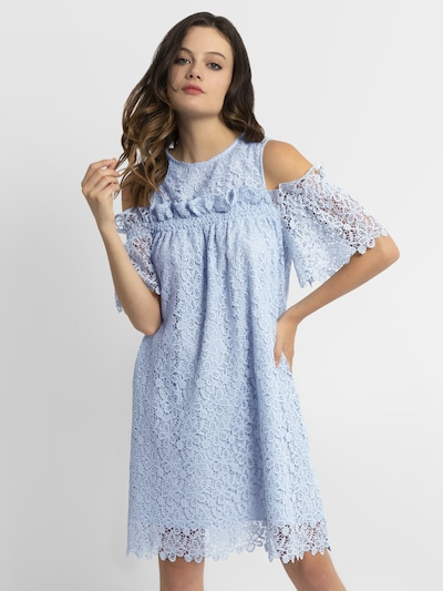 APART Kleid in hellblau, Modelansicht