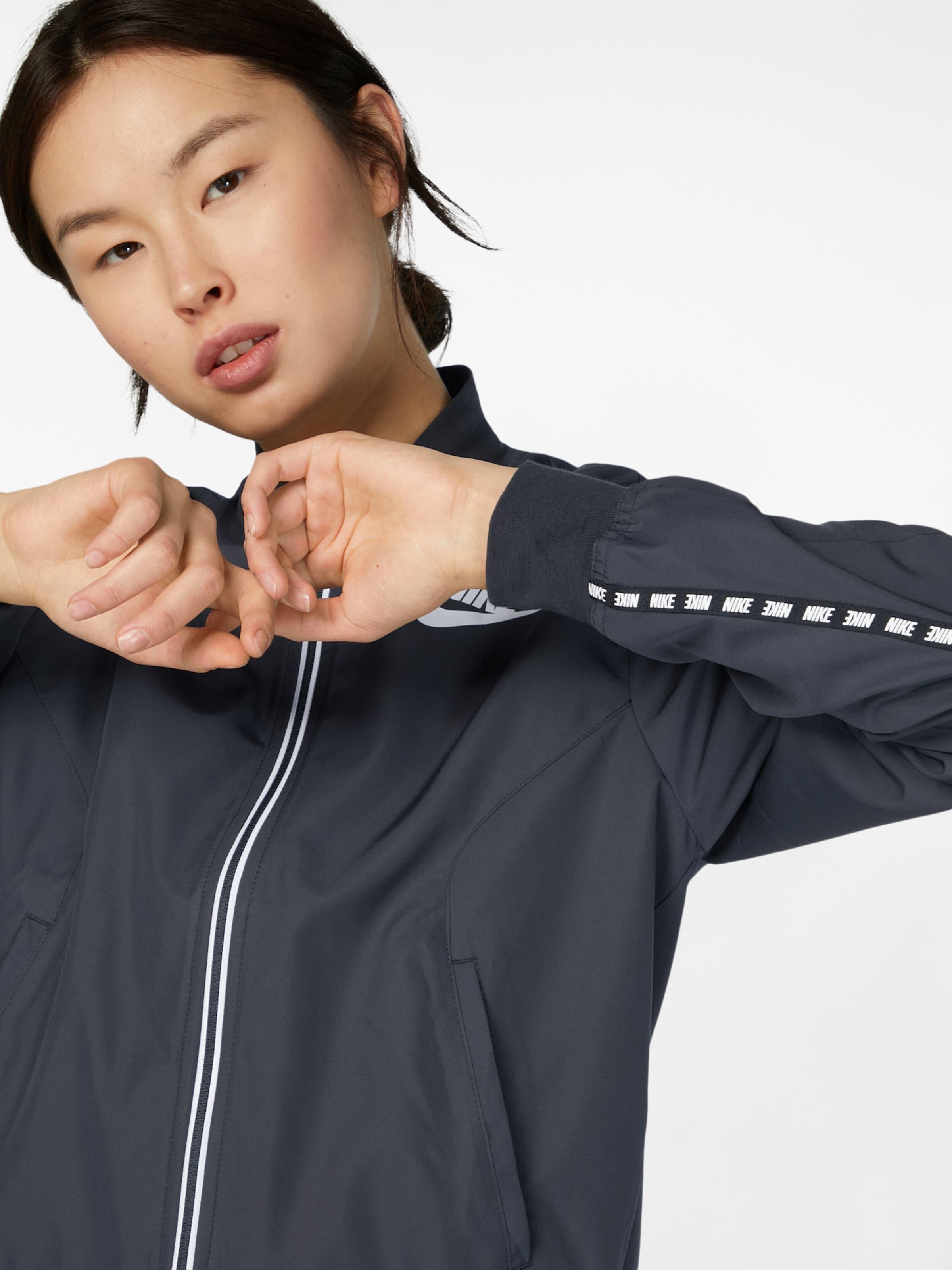 Nike Sportswear Sportjacke Rabatte Verkauf Online ZoVR46MM