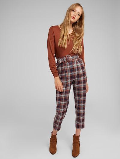 kék / rozsdabarna EDITED Élére vasalt nadrágok 'Justine', Modell nézet