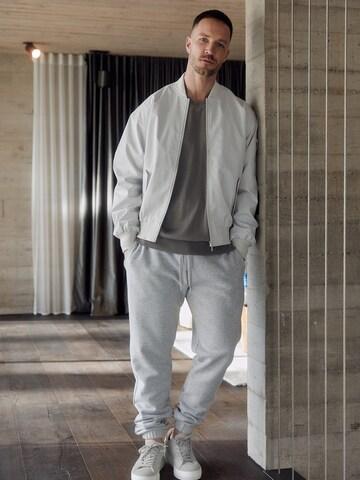 Casual Grey Dan Fox Apparel Outfit