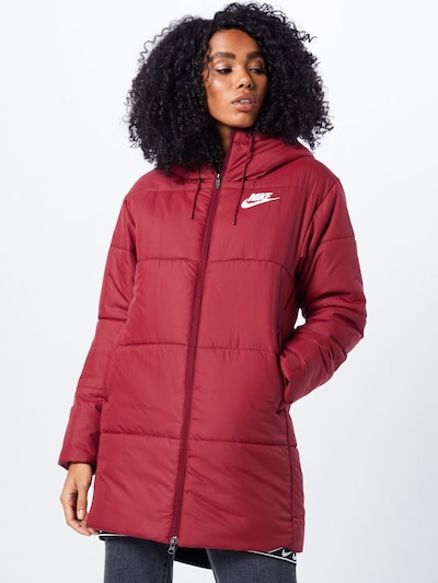 Nike Sportswear Mantel 'NSW SYN FILL PARKA HD' in rot, Modelansicht