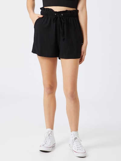 ABOUT YOU Shorts 'Carla' in schwarz, Modelansicht