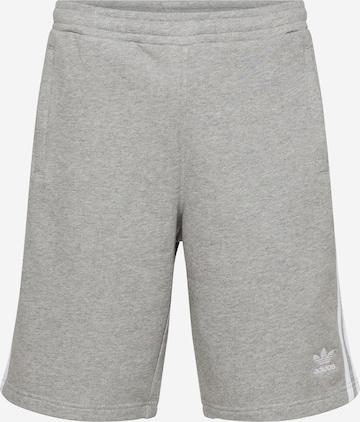 ADIDAS ORIGINALS Shorts in Grau