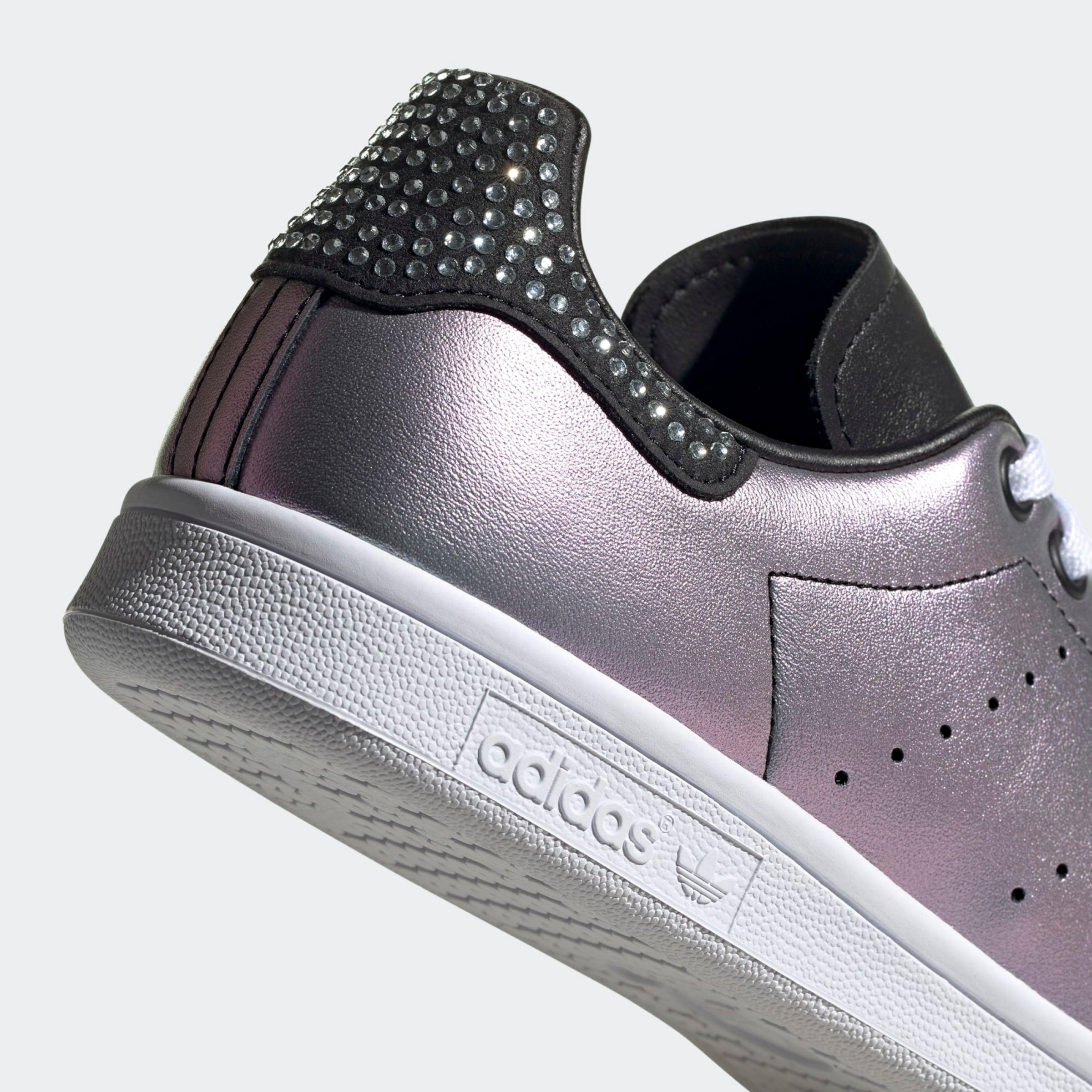 ADIDAS ORIGINALS Rövid szárú edzőcipők 'Stan Smith' ezüst színben
