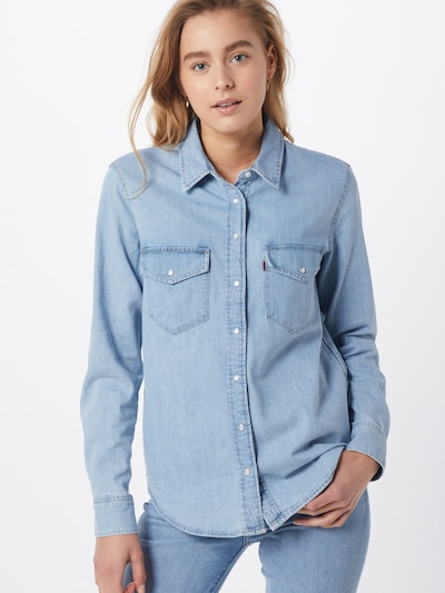 LEVI'S Chemisier 'Essential Western' en bleu denim, Vue avec modèle