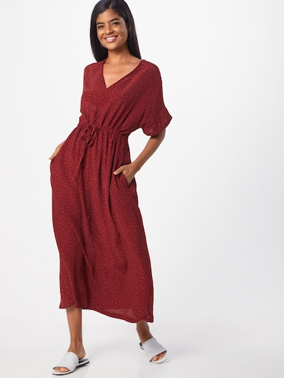 basic apparel Kleid 'Anja Long Dress' in weinrot, Modelansicht