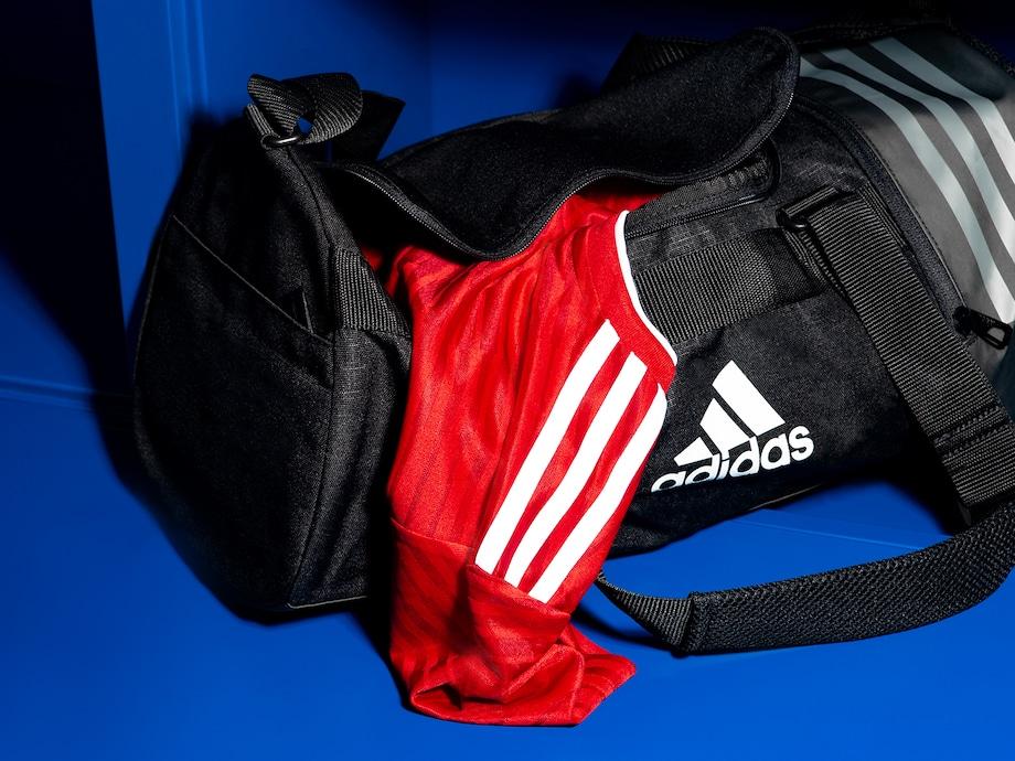 39e35570c80f4 Fußball  Accessoires