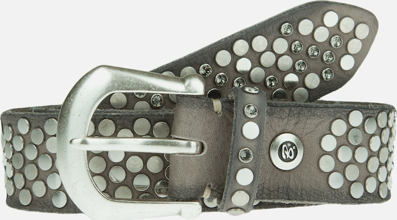 b.belt Handmade in Germany Nietengürtel