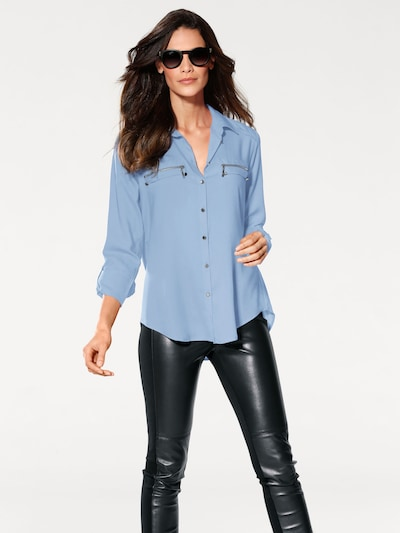 heine Blouse in de kleur Lichtblauw, Modelweergave