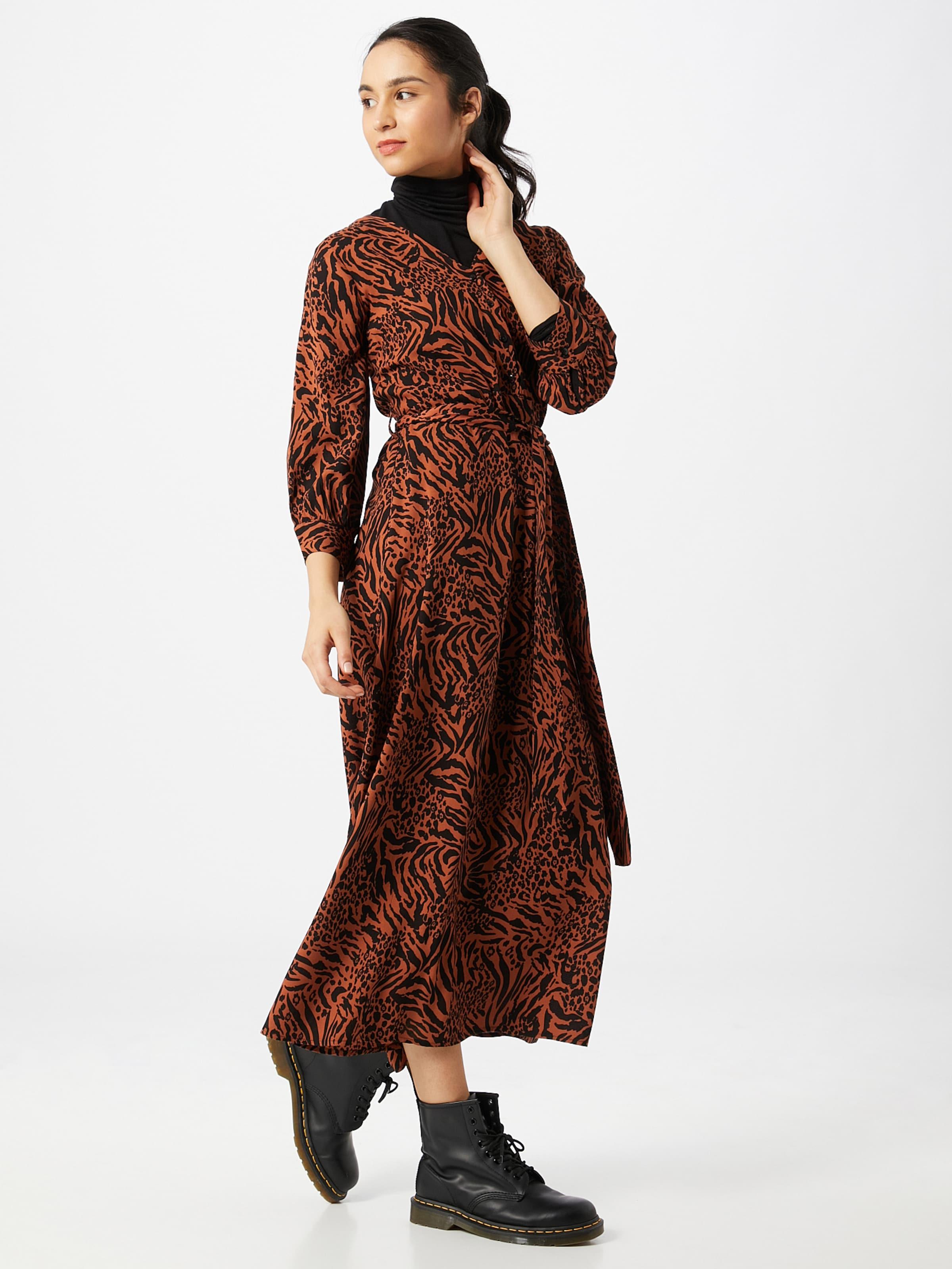 PIECES Klänning i brun