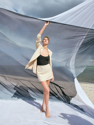 Elegant Beige Set Look By Laura Giurcanu