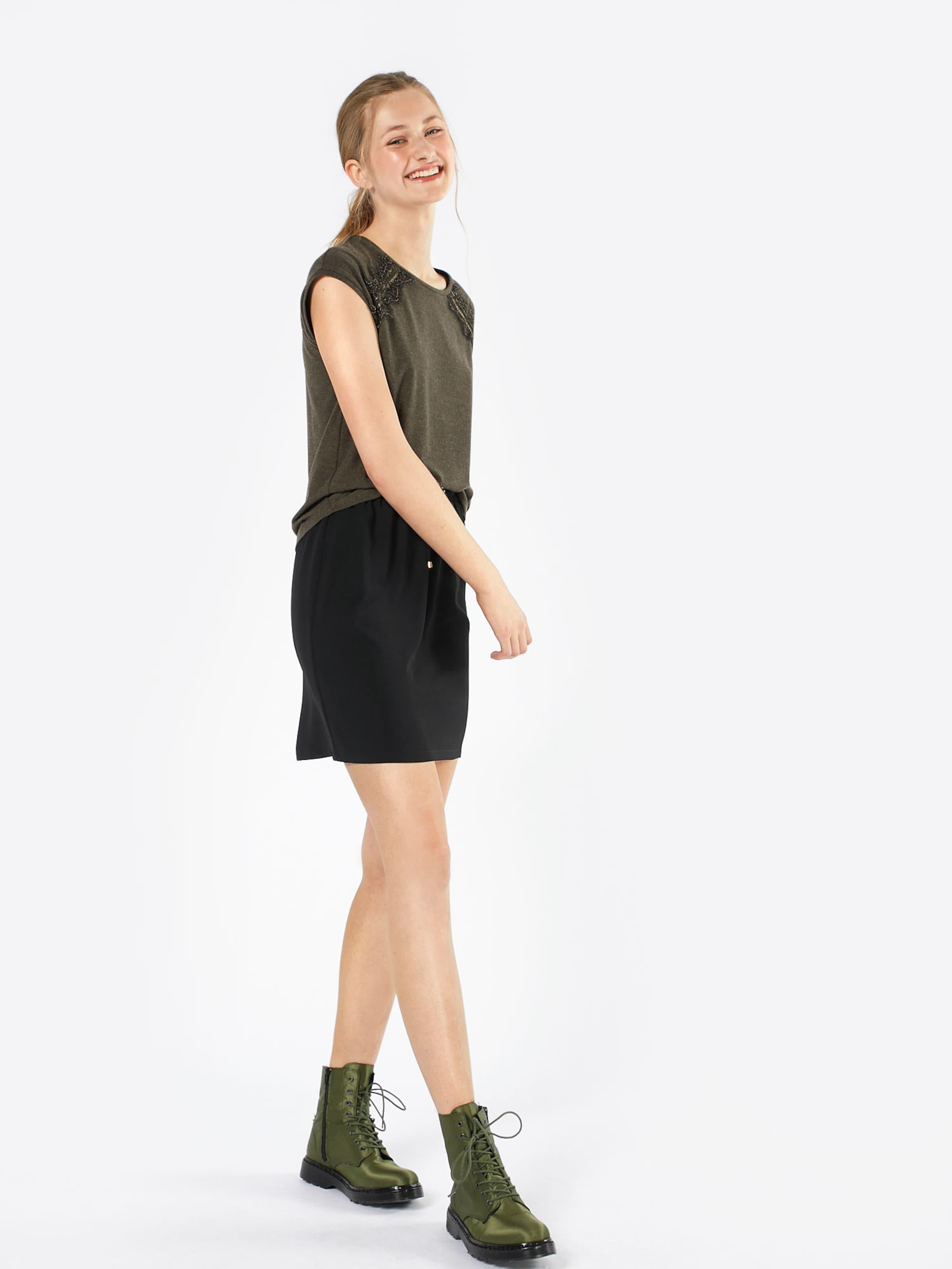 Steckdose Neuesten Zum Verkauf Zum Verkauf ABOUT YOU Shirt 'Naja' Billig Footlocker ZbraHv